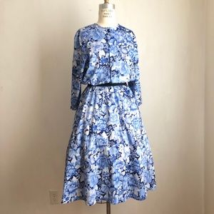 Vintage dress floral fit and flare blue roses L